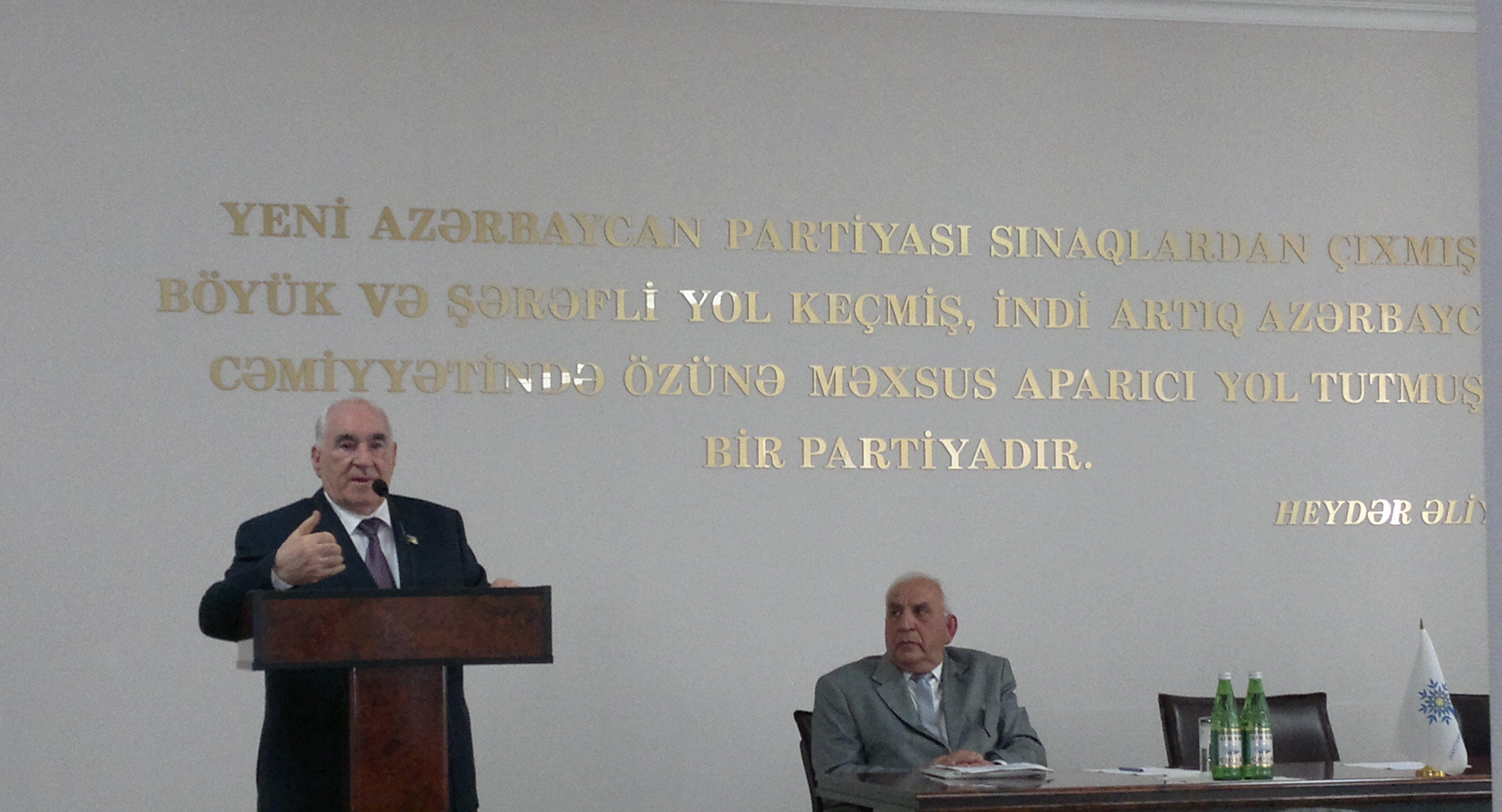 AAŞ-nın sədri, millət vəkili Fəttah Heydərov YAP Nizami rayon təşkilatında