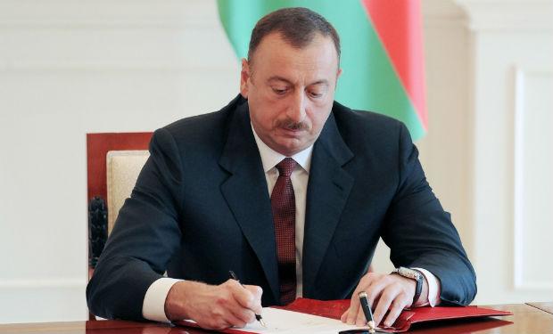 İlham Əliyev xalq yazıçısı Anara məktub göndərdi