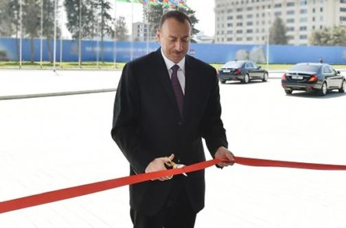 İlham Əliyev Bakı Beynəlxalq Dəniz Ticarət Limanı Kompleksinin açılışında iştirak edib