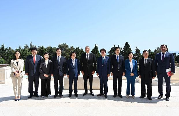 İlham Əliyev Koreya Milli Assambleyasının sədrini qəbul etdi