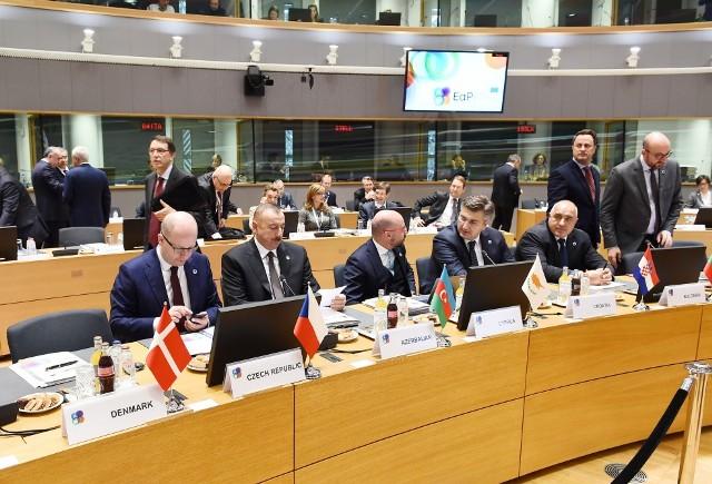 """İlham Əliyev Brüsseldə mühüm mesajlar verdi: """"İqtisadiyyatımızı dəyişdiririk"""""""