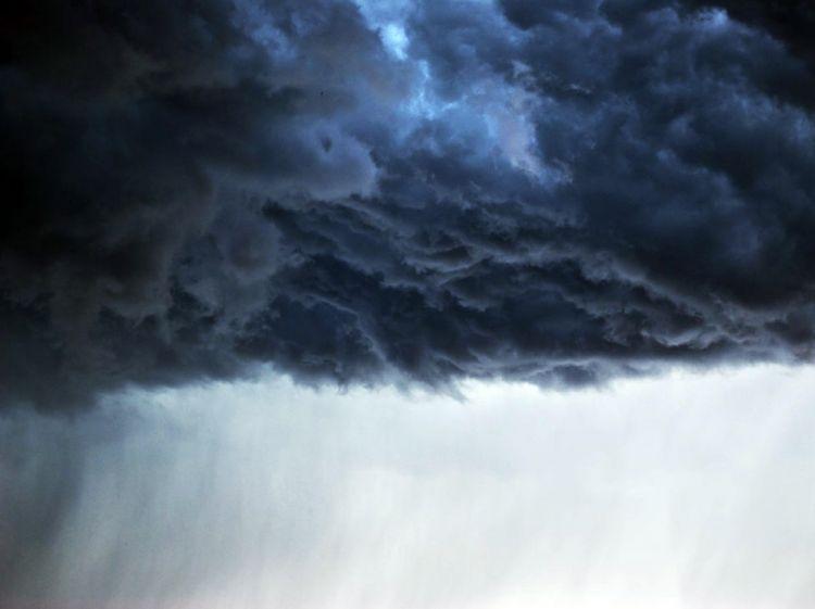 Sabah hava küləkli olacaq, arabir yağış yağacaq