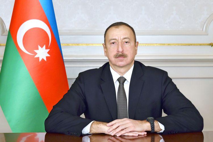 Azərbaycan prezidenti neft sənayesi işçilərini təltif edib – SİYAHI