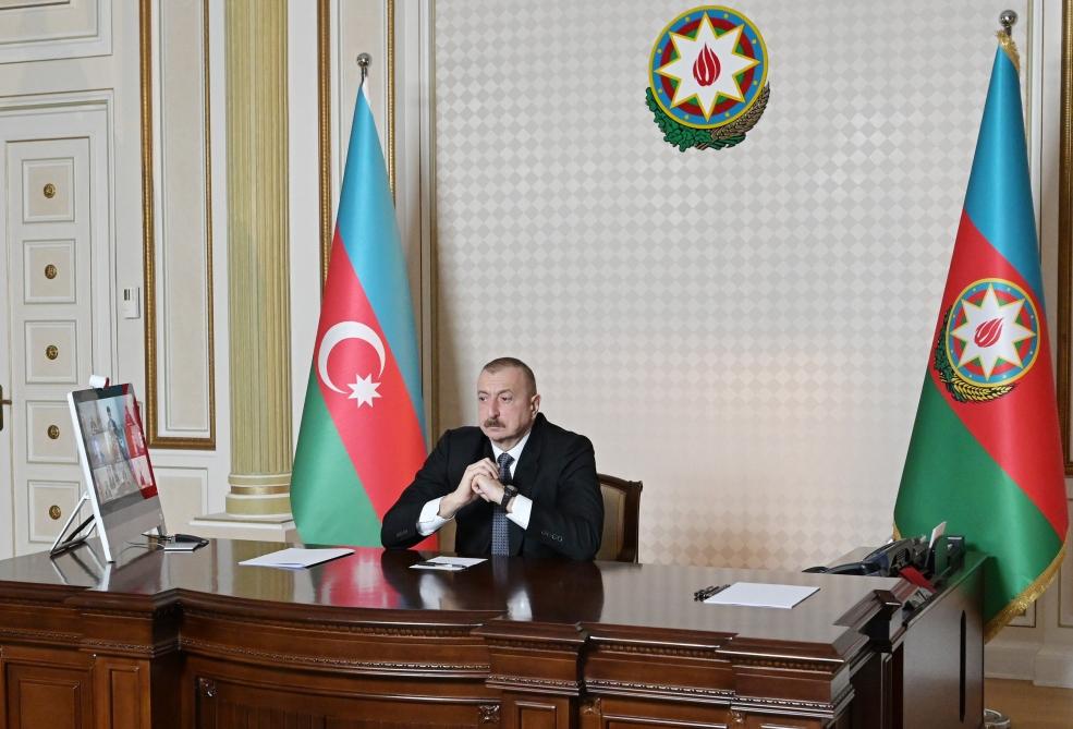 İlham Əliyev şirkət rəhbəri ilə videokonfrans keçirdi