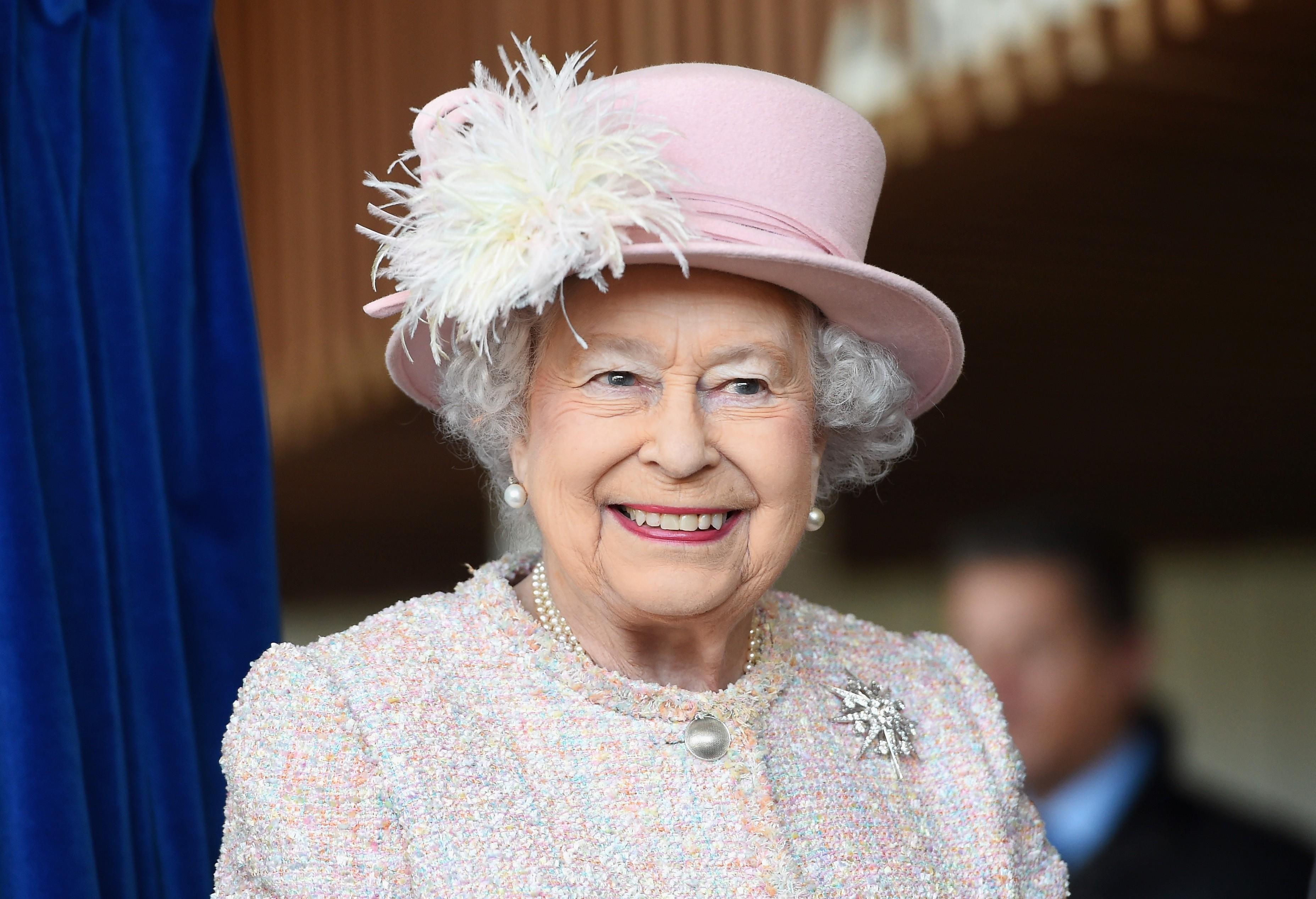 Britaniya Kraliçası Azərbaycan Prezidentini təbrik etdi