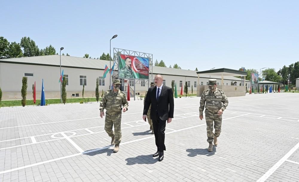 Prezident Ağdamda hərbi hissədə olub