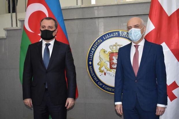 Ceyhun Bayramov gürcü həmkarı ilə görüşdü
