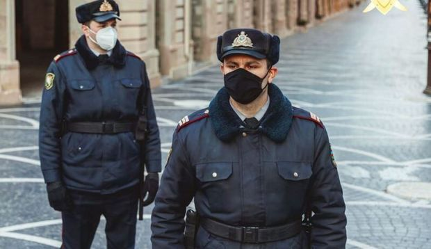 Polis ictimai nəqliyyatda kütləvi yoxlama-nəzarət tədbirləri keçirir
