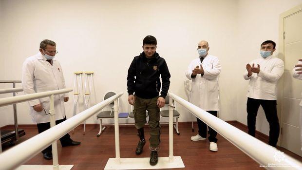 Daha bir qazimiz yüksək texnologiyalı protezlə təmin olundu – VİDEO