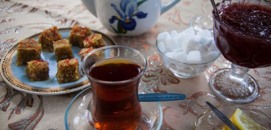 Bu gün Azərbaycanda restoran, kafe və çay evləri açılır