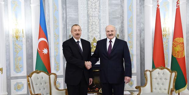 Azərbaycan və Belarus prezidentlərinin təkbətək görüşü başlayıb