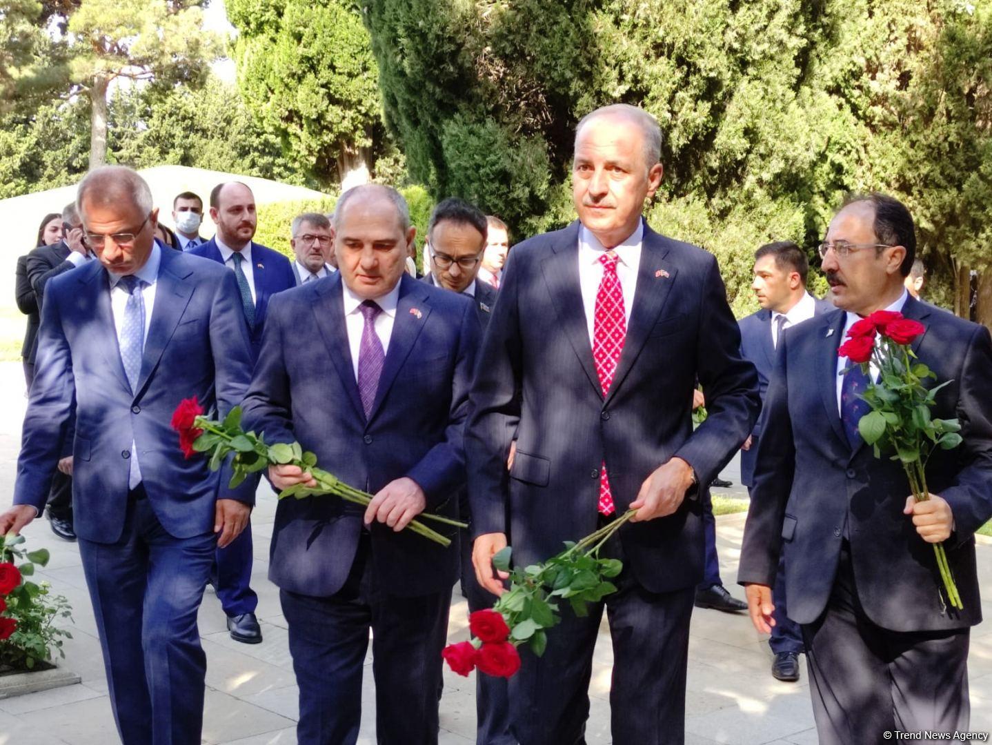 Türkiyənin hakim partiyasının nümayəndə heyəti Azərbaycana gəlib