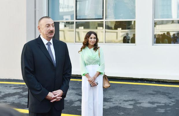 İlham Əliyev və Mehriban Əliyeva Bakı Avropa Liseyinin yeni binasının açılışında iştirak ediblər